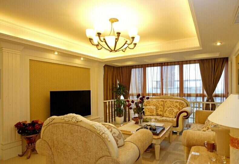 别墅欧式风格客厅石膏线背景墙装修图片